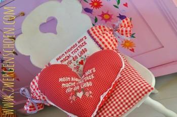 ♥Mein kleines Herz macht TICKTACK für die LIEBE♥ Embroidery 13x18cm GERMAN