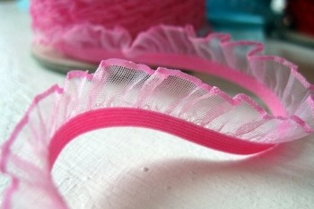 ♥RUFFLes♥babyPINK elastic RIBBON