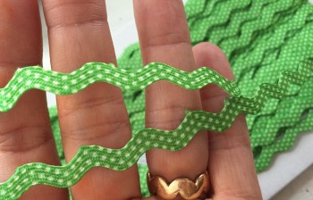 ♥RIC RAC RIBBON♥ Polka Dots GREEN Price per METER