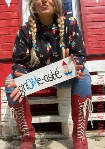 ♥BABA YAYA♥ Aufkleber OMMM Gnome ZWERG 9cm TRANSPARENT