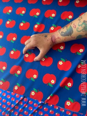 ♥APFELSCHÖN on BLUE♥ 0.5m JERSEY Retro ÄPFEL Zwergenschön