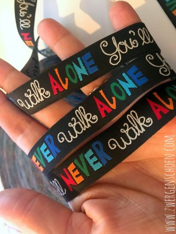 ♥YOU`LL NEVER WALK ALONE♥ Webband SCHWARZ bunt