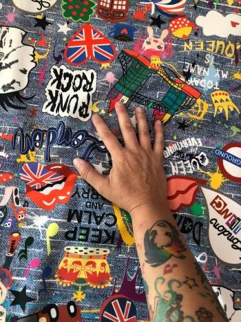 ♥LONDON on GRAFFITIschön♥ 0.37m WEBWARE denim JEANSDRUCK 100%Baumwolle