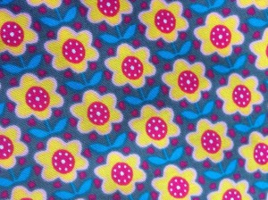 ♥RETRO FLOWERS♥ COTTON price per 0.5METER grey/yellow/pink