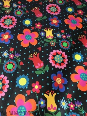 ♥BLUMENSCHoeN on BLACK♥ 0.5m COATING COTTON Flowers