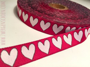 ♥HEARTz♥ RIBBON snowhite on RED Price per Meter