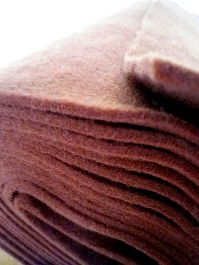 ♥Nadelfilz♥ 0.25m 100% Polyester DICK rehBRAUN