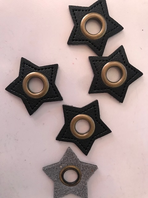 ♥KUNSTLEDER-STERN-Oese♥ schwarz 8mm ÖSE bronze